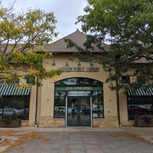 Alicia Ashman Library entrance